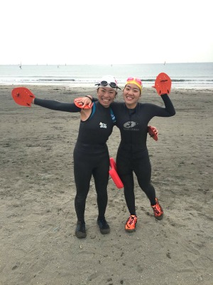 左が高山さん、右が宮原さん。この日は水温13度の海で実践練習されたとか!