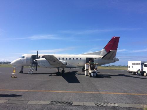 喜界島への重要なアクセス JACのプロペラ機